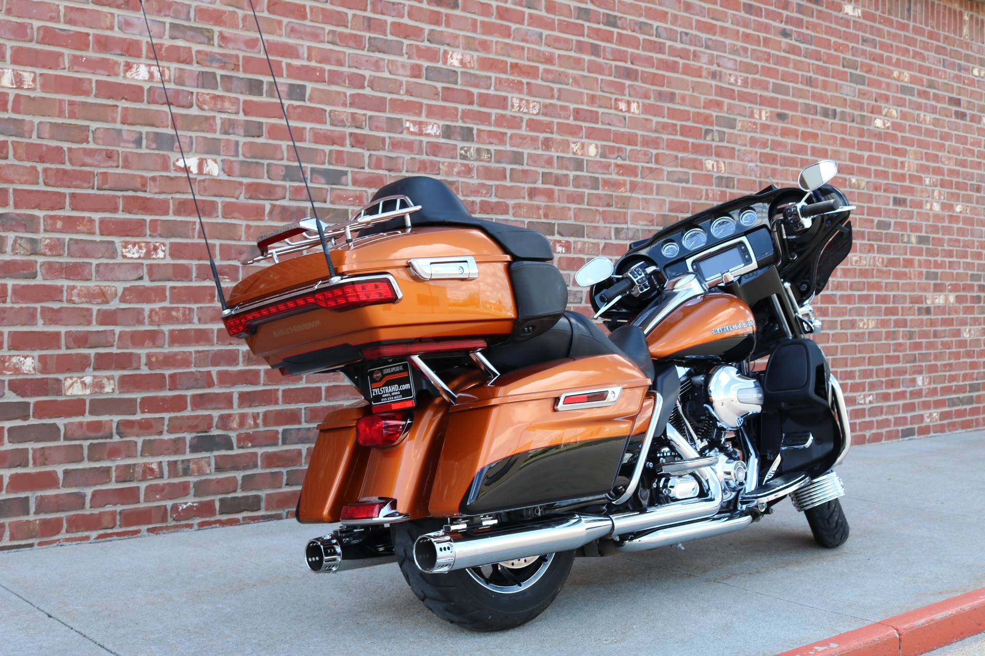 2015 Harley-Davidson Ultra Limited in Ames, Iowa - Photo 9