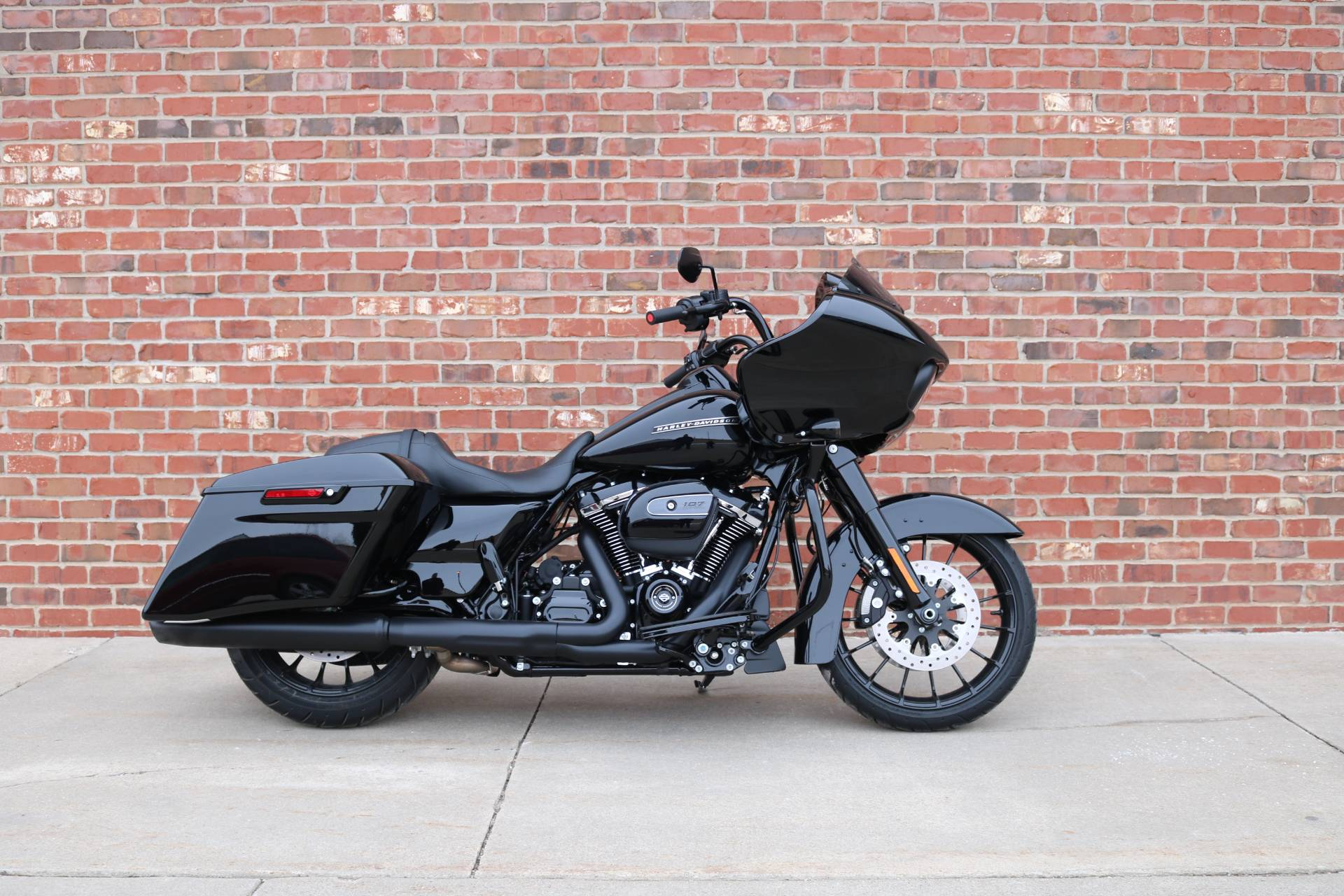 2018 Harley-Davidson Road Glide® Special in Ames, Iowa - Photo 3