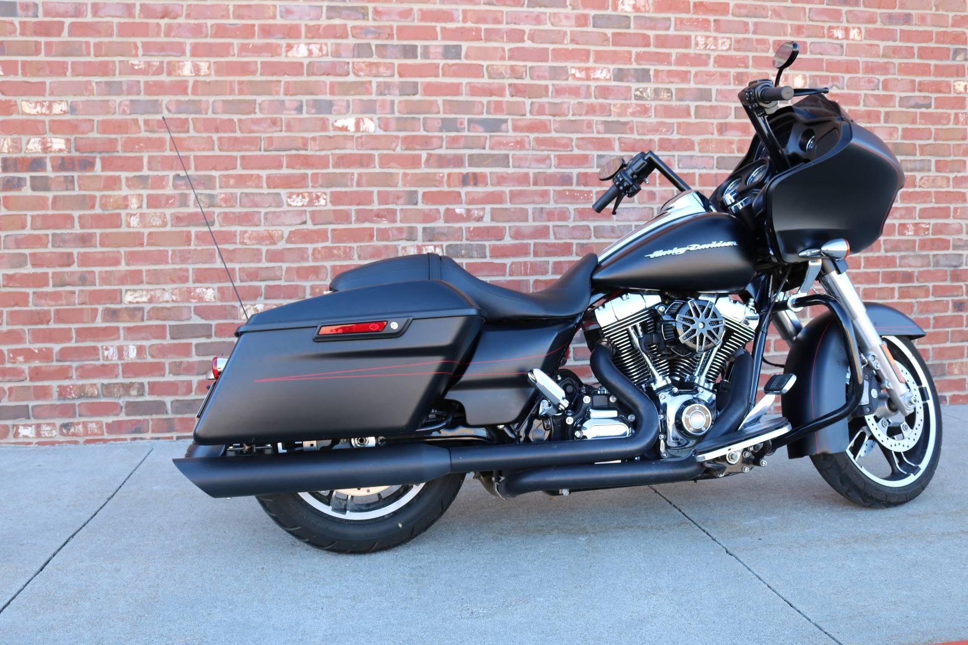 2015 Harley-Davidson Road Glide® Special in Ames, Iowa - Photo 4