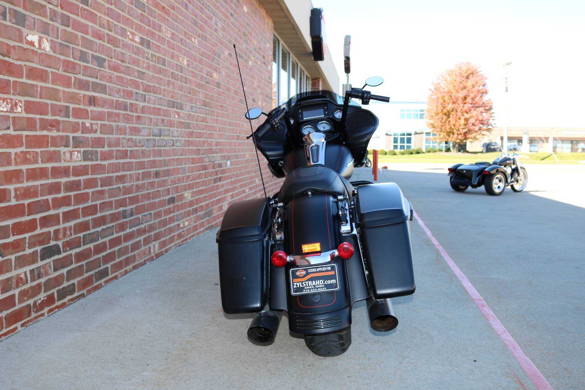 2015 Harley-Davidson Road Glide® Special in Ames, Iowa - Photo 6