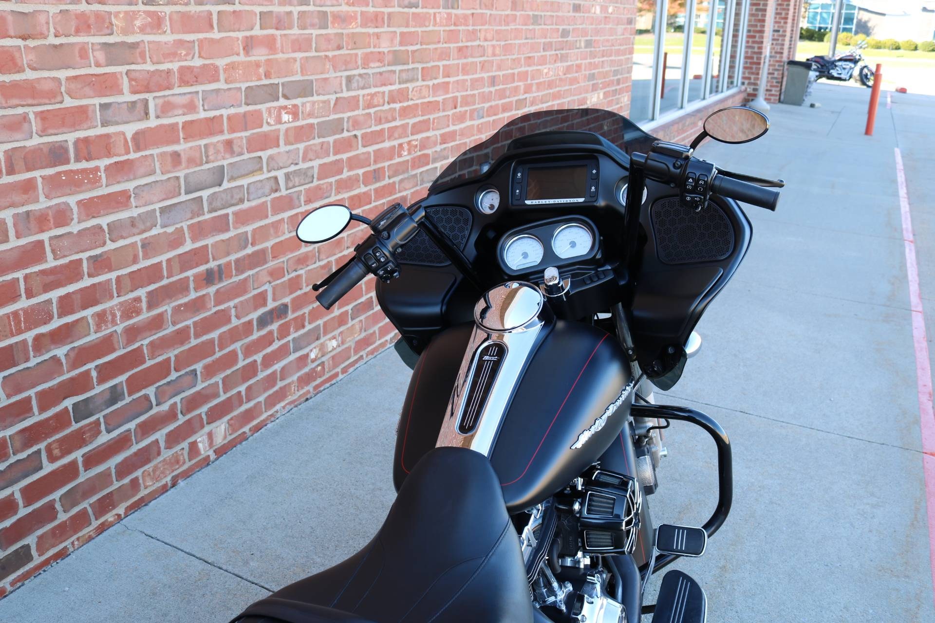 2015 Harley-Davidson Road Glide® Special in Ames, Iowa - Photo 5
