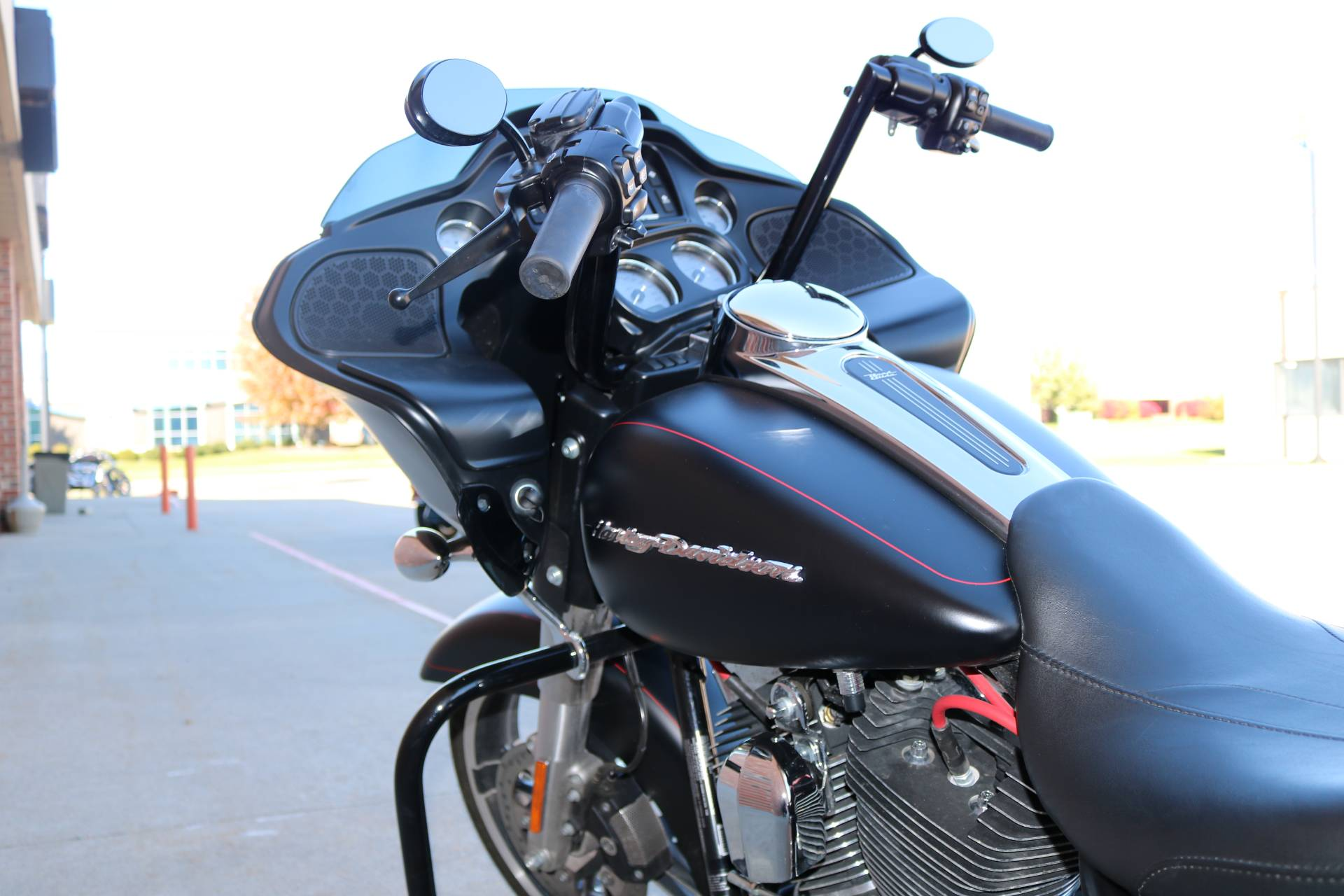 2015 Harley-Davidson Road Glide® Special in Ames, Iowa - Photo 8