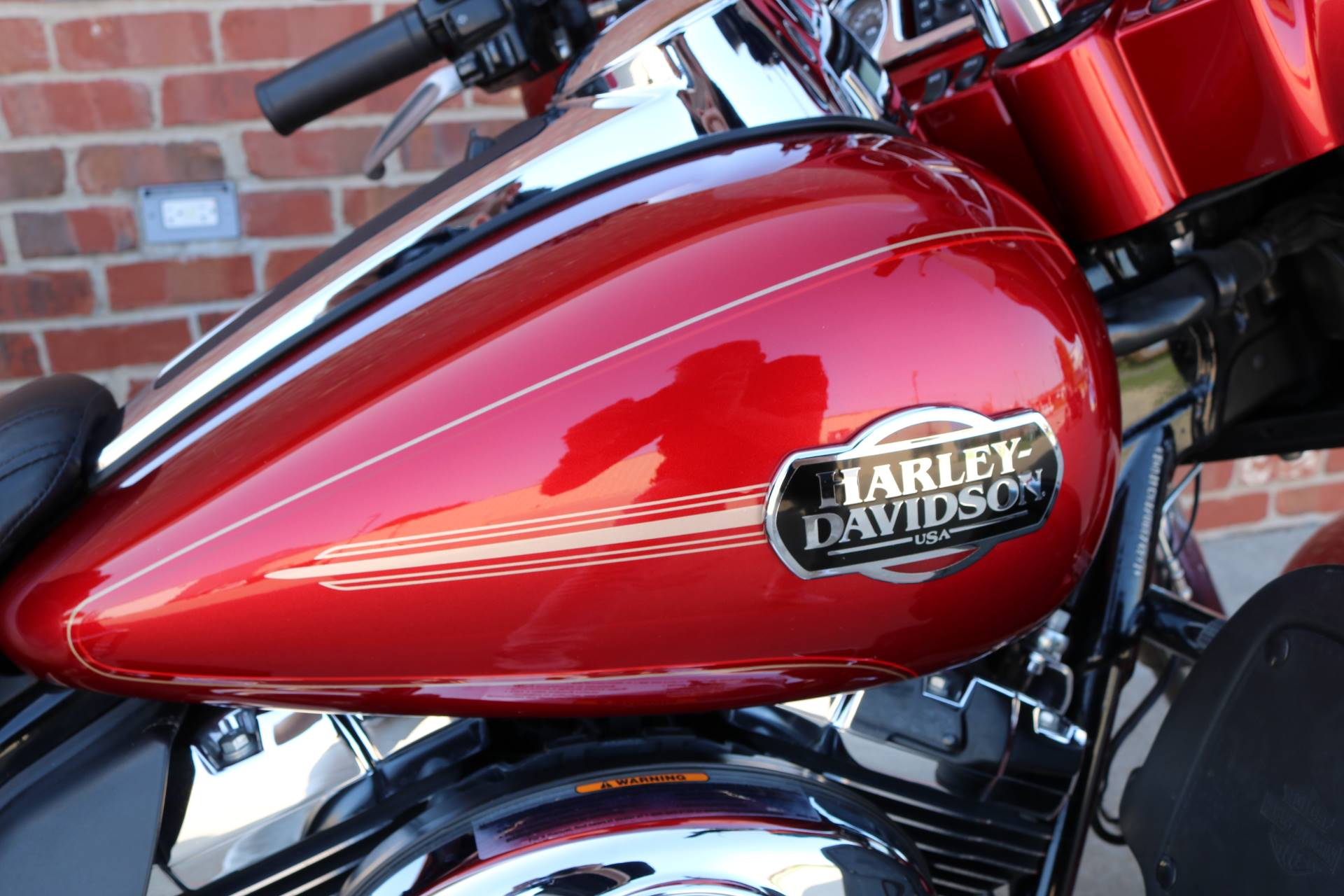2013 Harley-Davidson Ultra Classic® Electra Glide® in Ames, Iowa - Photo 5
