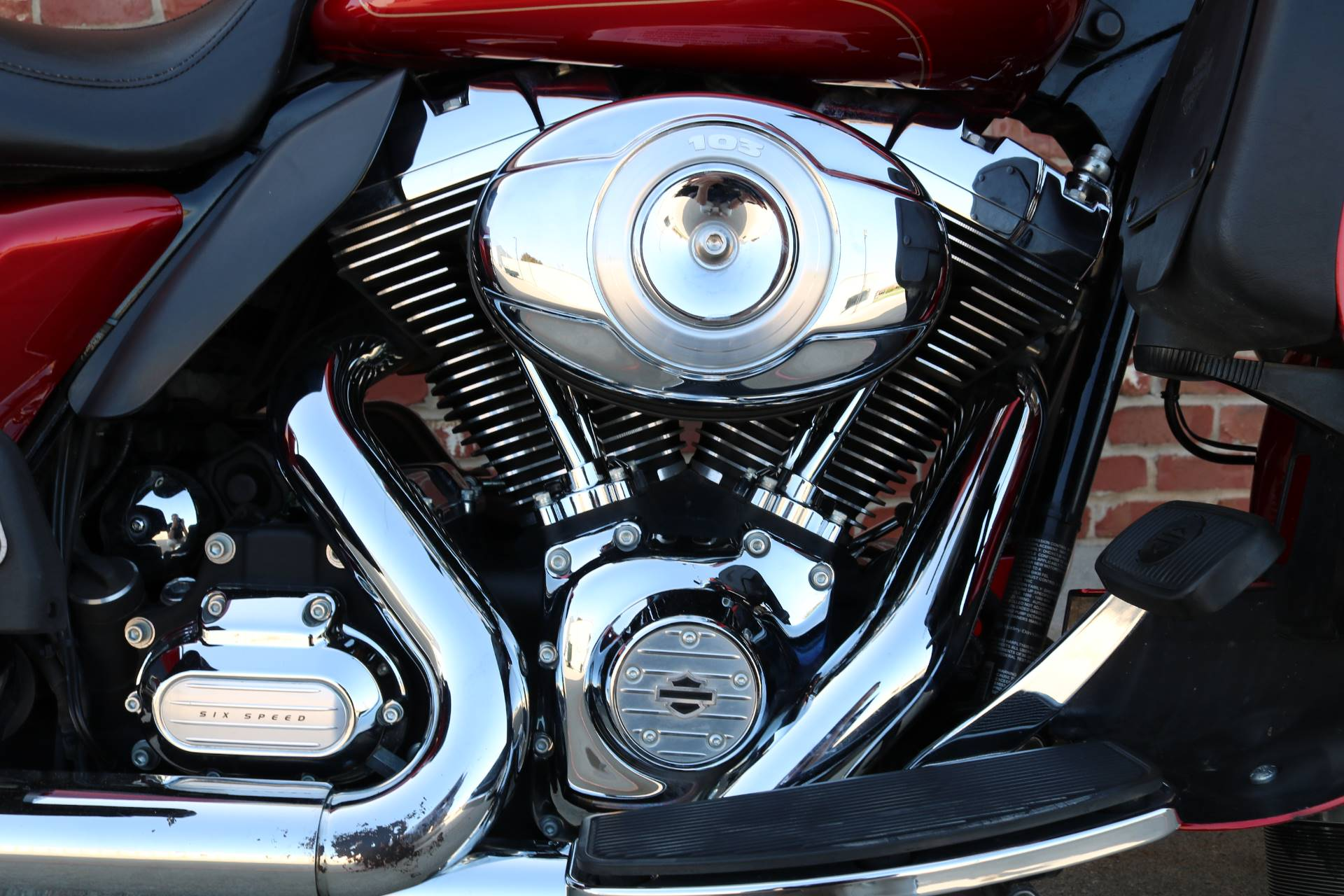 2013 Harley-Davidson Ultra Classic® Electra Glide® in Ames, Iowa - Photo 6
