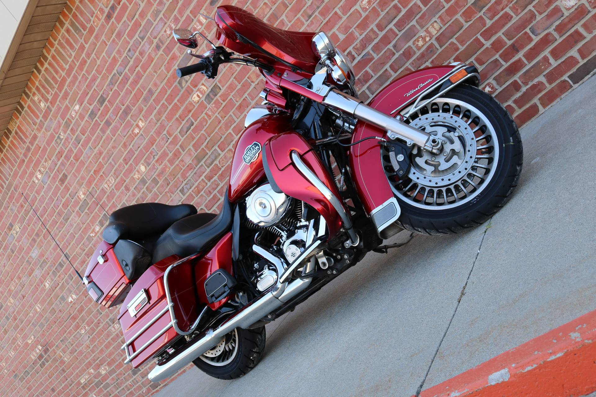 2013 Harley-Davidson Ultra Classic® Electra Glide® in Ames, Iowa - Photo 13
