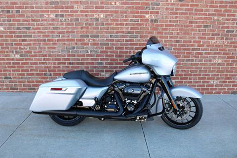 2019 Harley-Davidson Street Glide® Special in Ames, Iowa - Photo 9