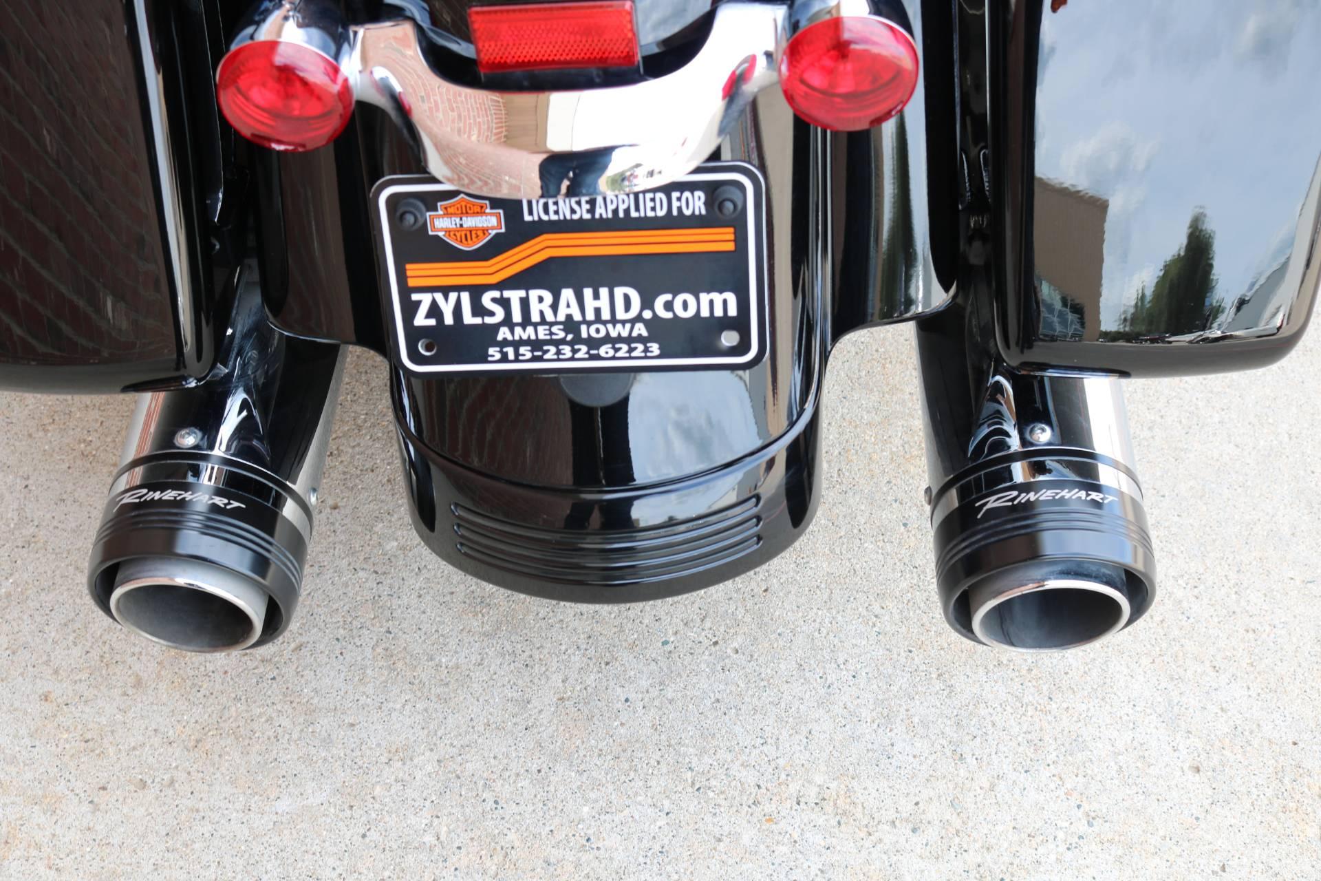 2017 Harley-Davidson Street Glide® Special in Ames, Iowa