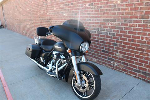 2017 Harley-Davidson Street Glide® Special in Ames, Iowa - Photo 2