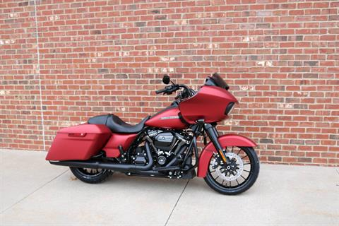 2019 Harley-Davidson Road Glide® Special in Ames, Iowa - Photo 6