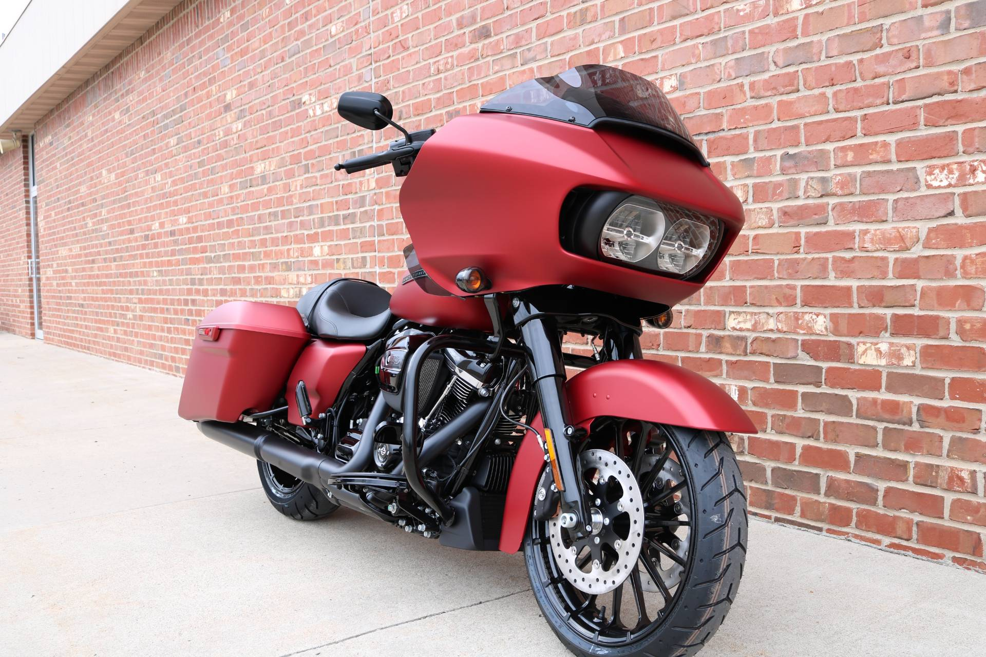 2019 Harley-Davidson Road Glide® Special in Ames, Iowa - Photo 3