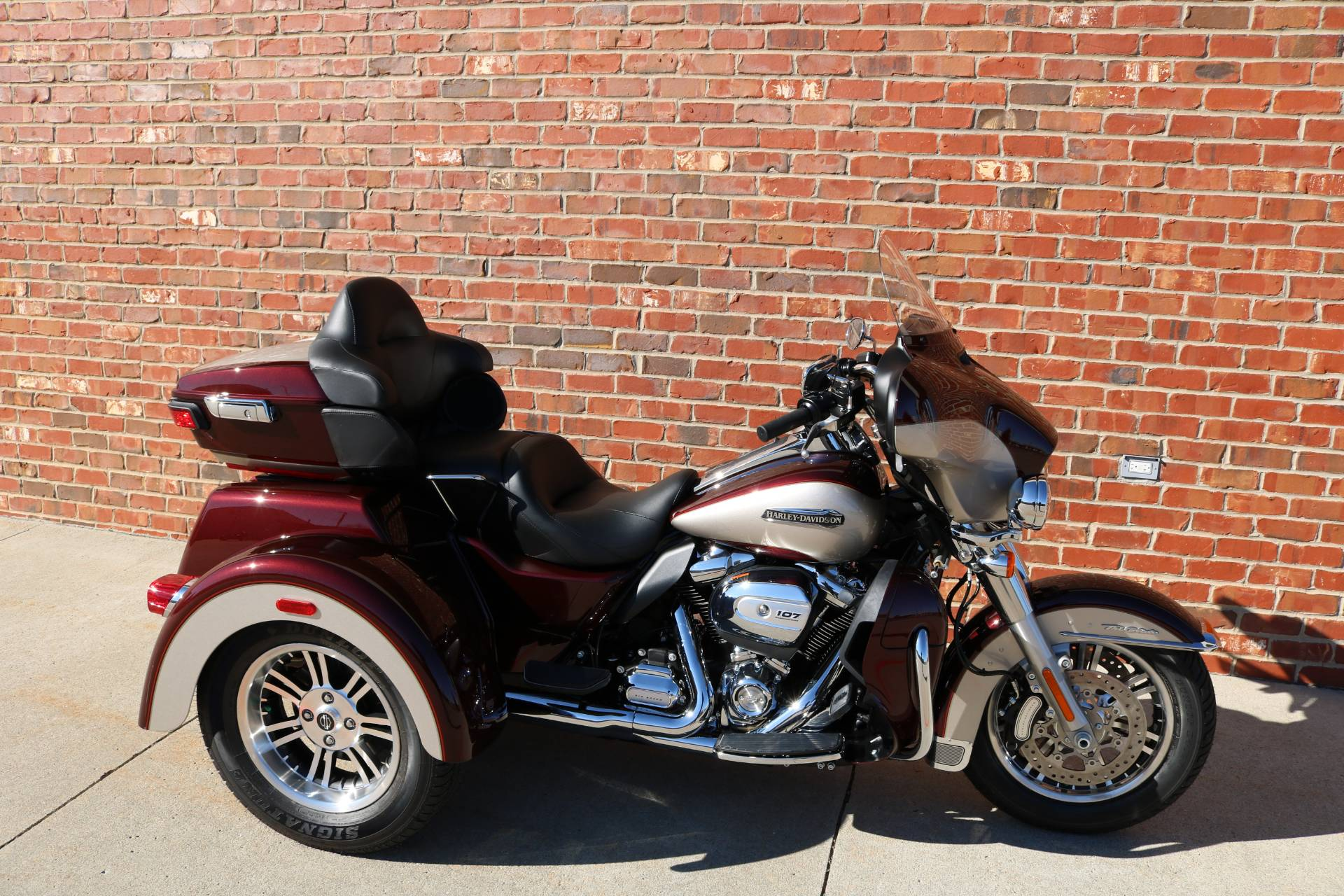 2018 Harley-Davidson Tri Glide® Ultra in Ames, Iowa - Photo 6