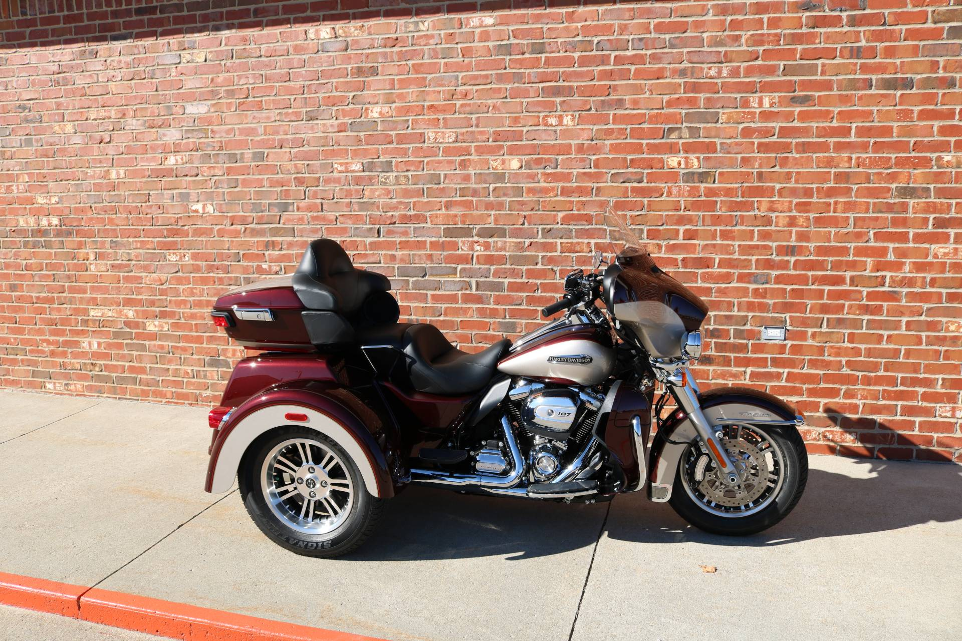 2018 Harley-Davidson Tri Glide® Ultra in Ames, Iowa - Photo 5
