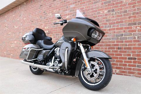 2018 Harley-Davidson Road Glide® Ultra in Ames, Iowa - Photo 2