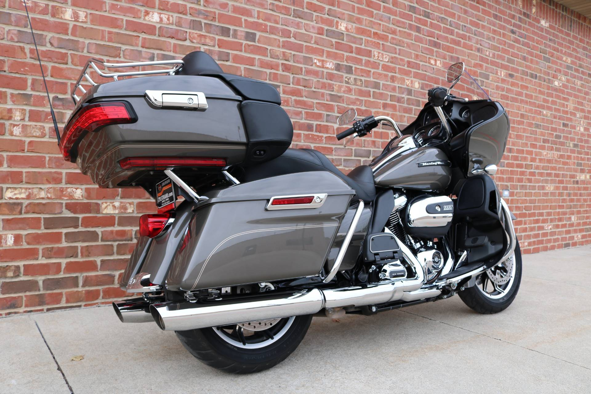 2018 Harley-Davidson Road Glide® Ultra in Ames, Iowa - Photo 3