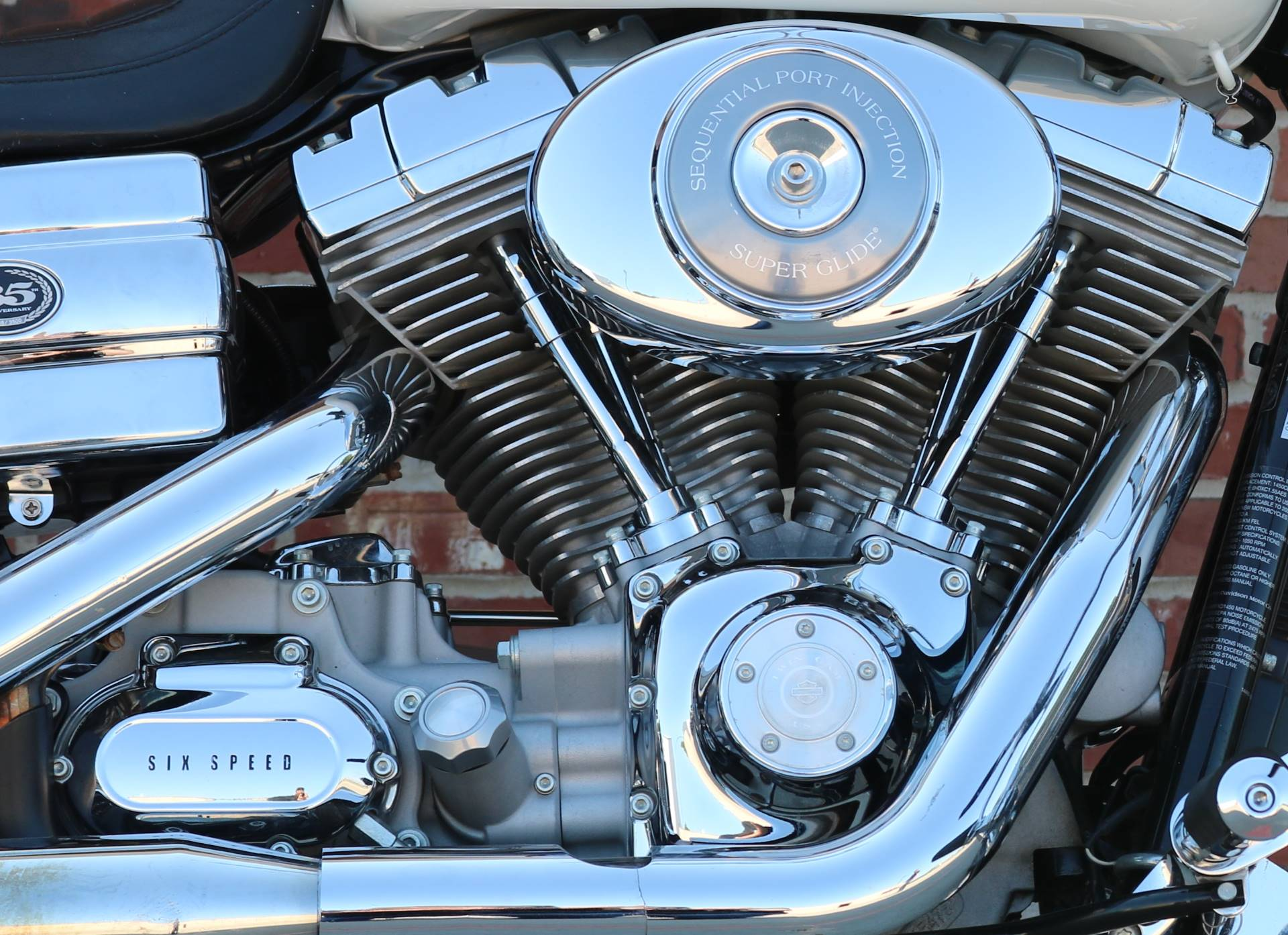 2006 Harley-Davidson 35th Anniversary Super Glide® in Ames, Iowa - Photo 2