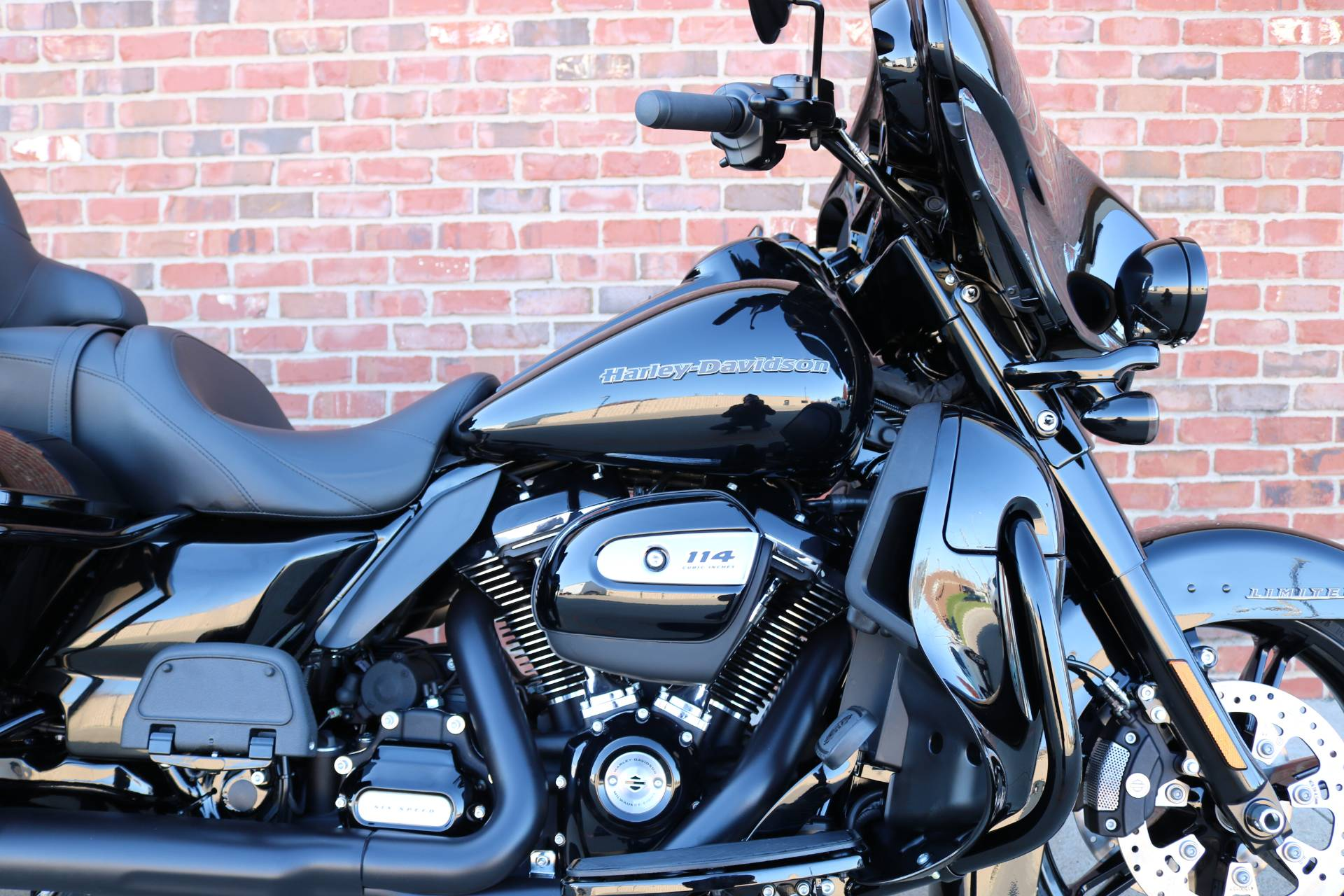 2020 Harley-Davidson Ultra Limited in Ames, Iowa - Photo 2