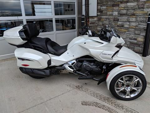 2019 Can-Am Spyder F3 Limited in Rapid City, South Dakota - Photo 2