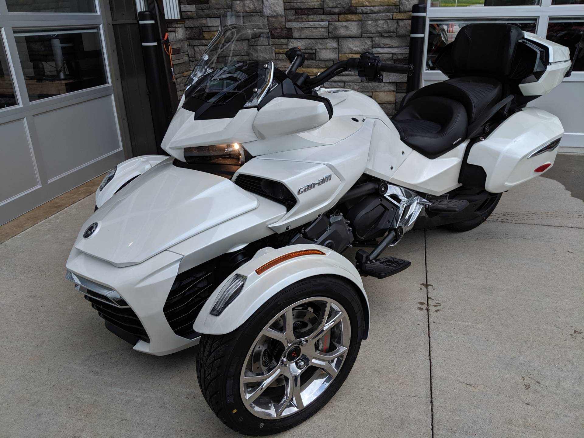 2019 Can-Am Spyder F3 Limited in Rapid City, South Dakota - Photo 6