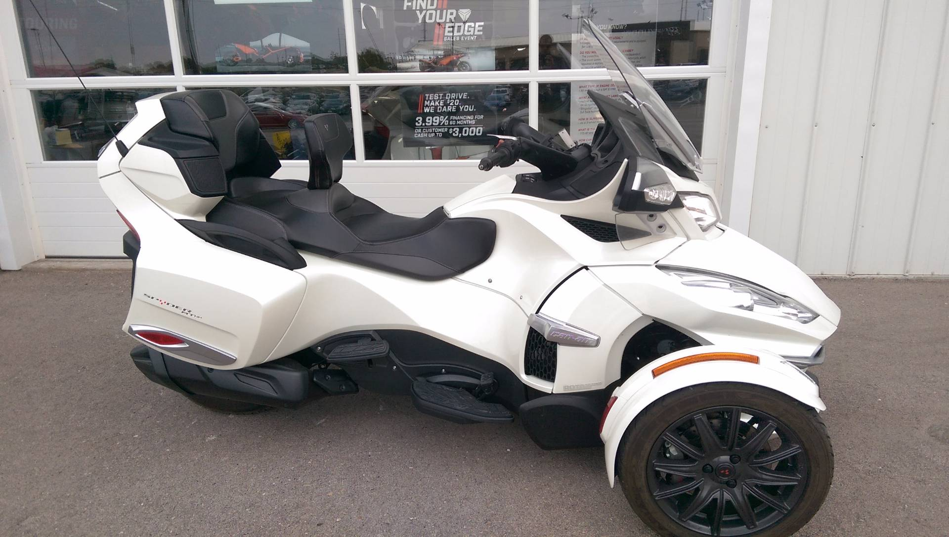 2014 Can-Am Spyder® RT-S SE6 in Rapid City, South Dakota