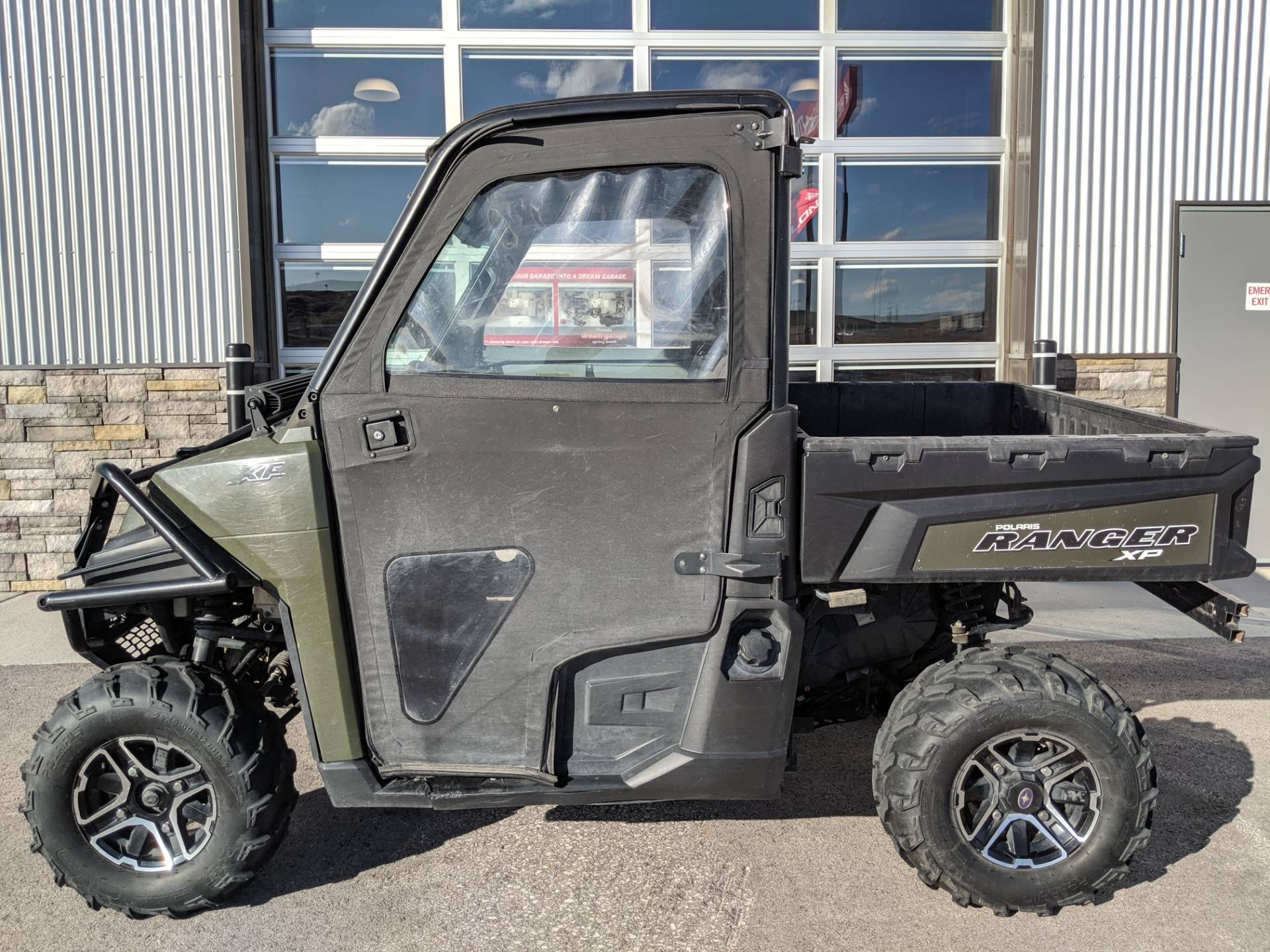 2014 Polaris Ranger XP 900 EPS 1