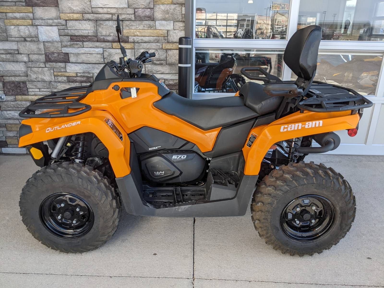2020 Can-Am Outlander MAX DPS 570 in Rapid City, South Dakota - Photo 2