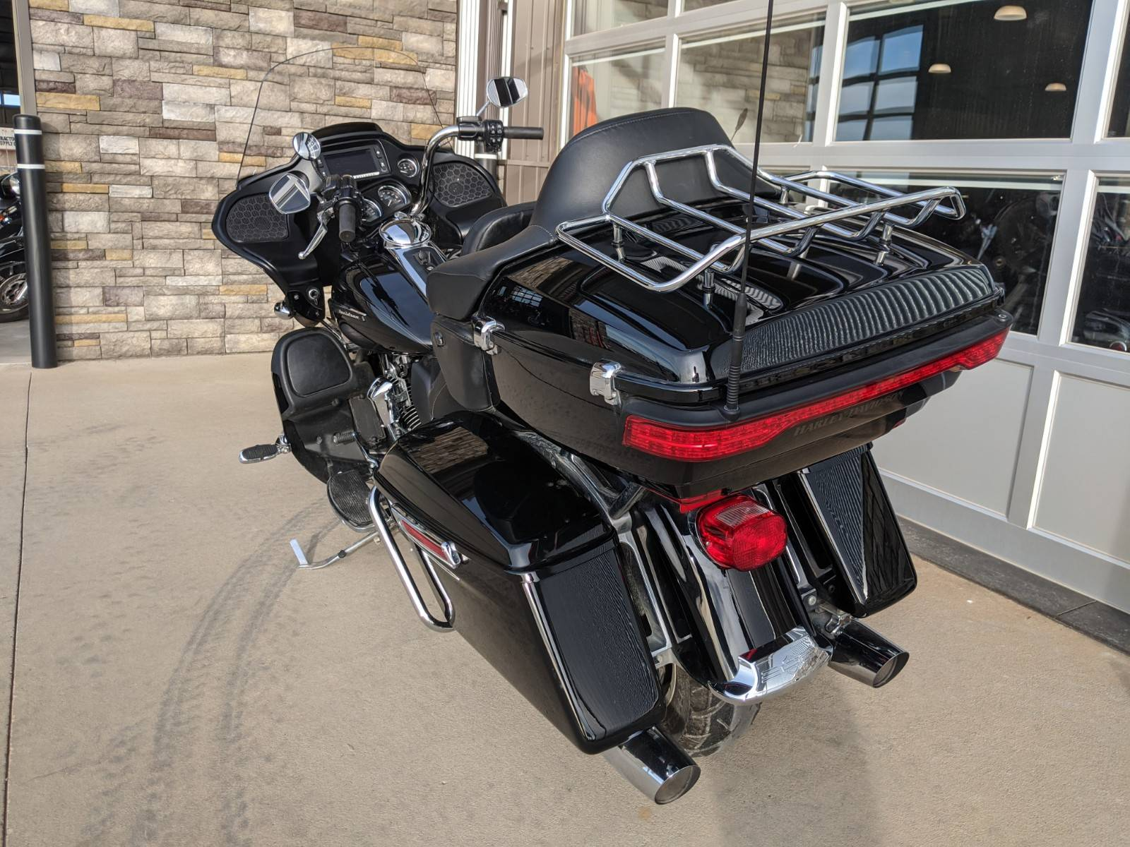 2018 Harley-Davidson Road Glide® Ultra in Rapid City, South Dakota - Photo 9