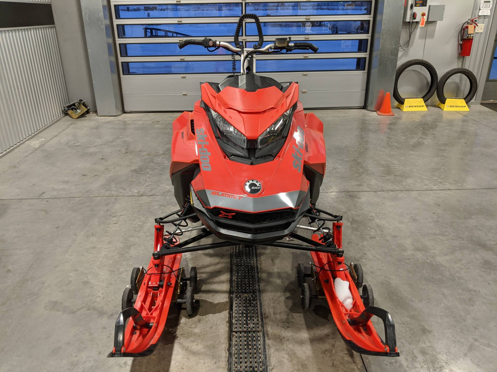 2019 Ski-Doo Summit X 165 850 E-TEC PowderMax Light 3.0 w/ FlexEdge SL in Rapid City, South Dakota - Photo 4