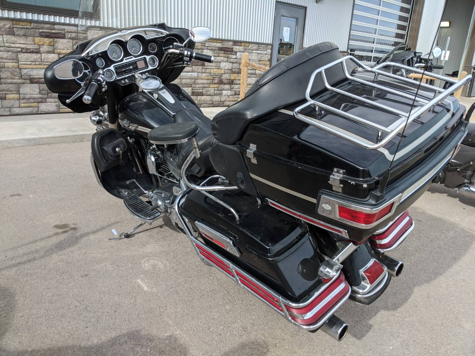 2003 Harley-Davidson FLHTCUI Ultra Classic® Electra Glide® in Rapid City, South Dakota - Photo 6
