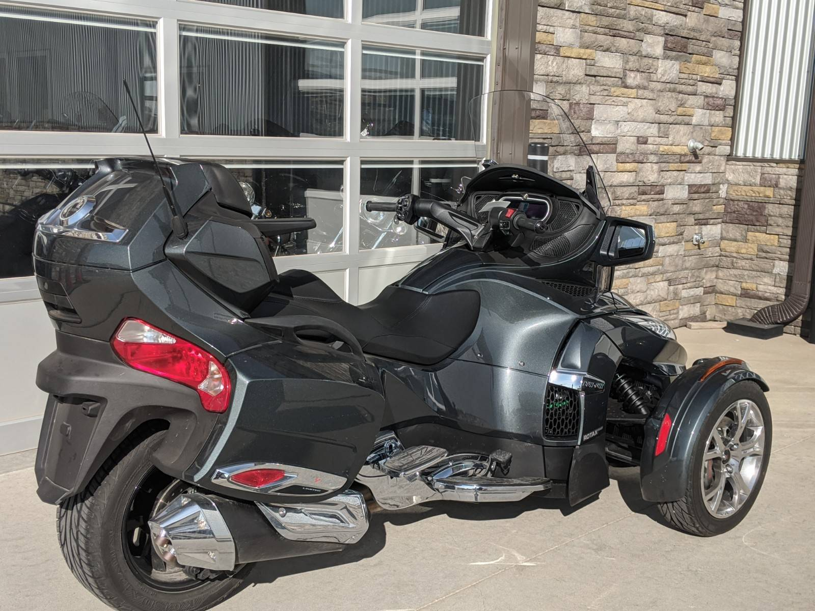2019 Can-Am Spyder RT Limited in Rapid City, South Dakota - Photo 8
