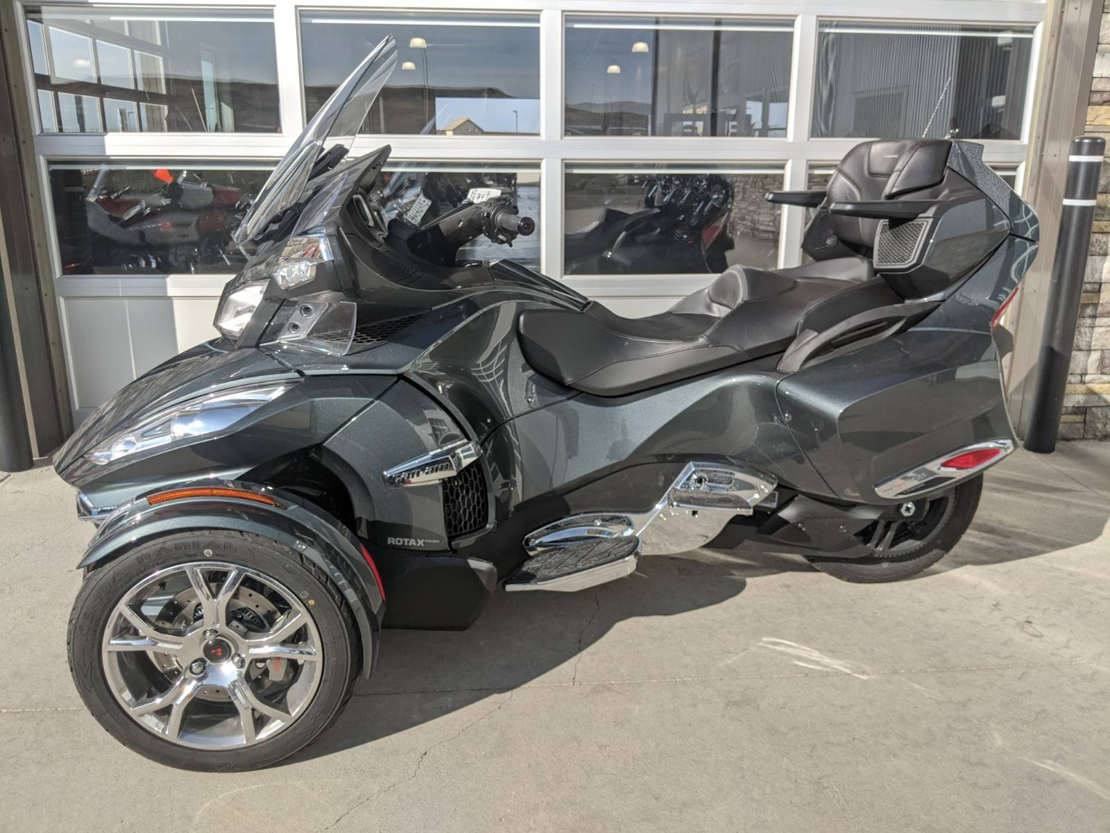 2019 Can-Am Spyder RT Limited in Rapid City, South Dakota - Photo 3