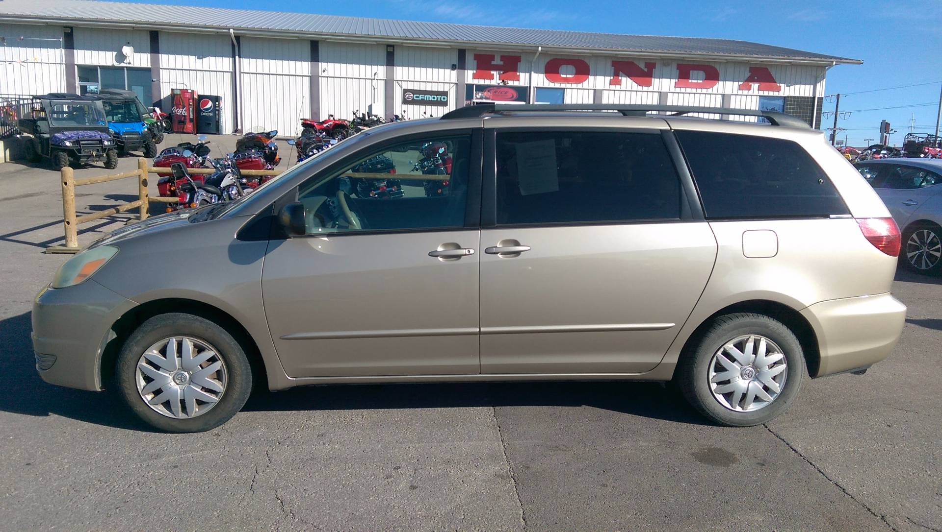 2004 Toyota Sienna LE in Rapid City, South Dakota