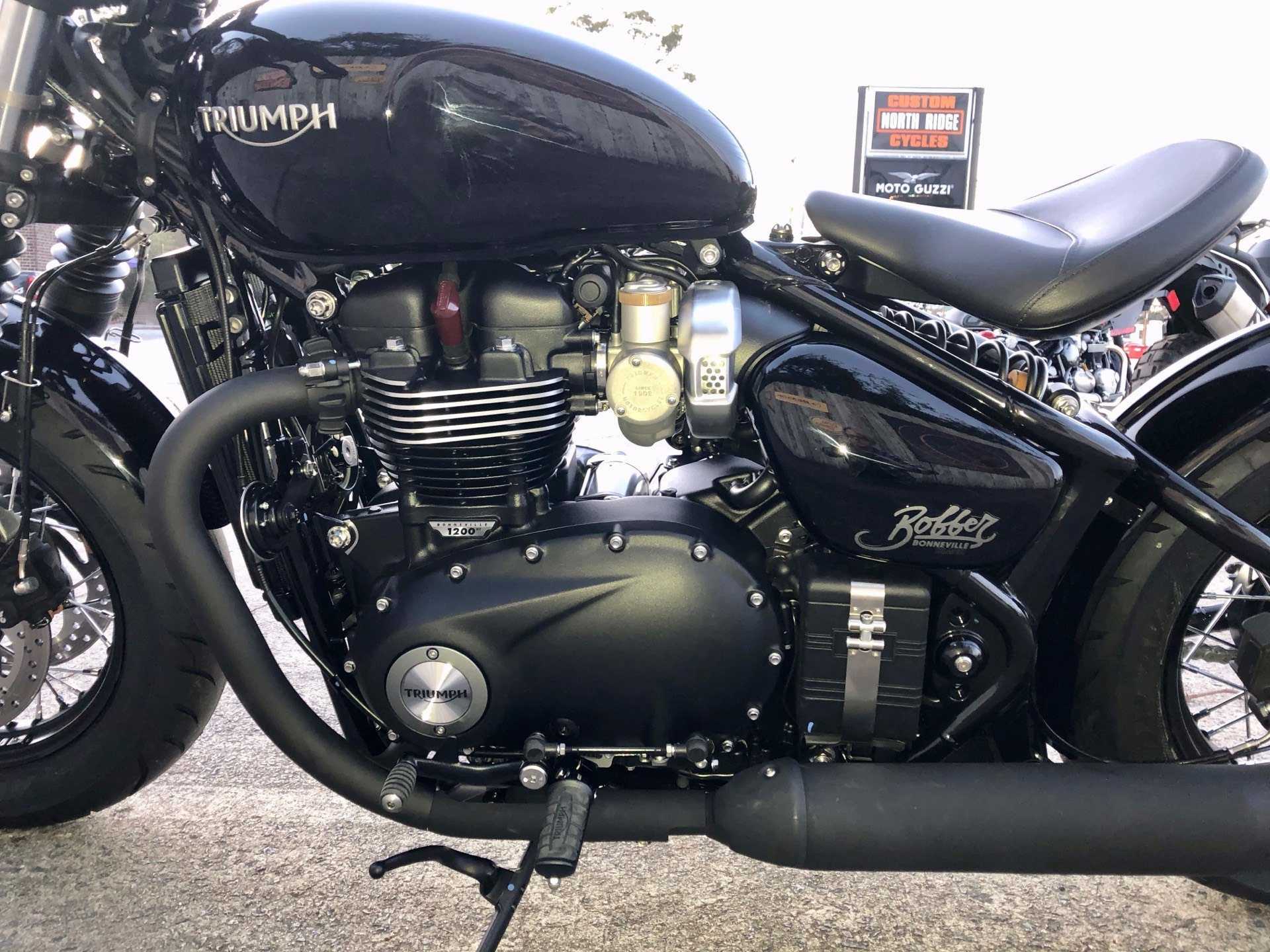 2020 Triumph Bonneville Bobber Black in Charleston, South Carolina - Photo 4