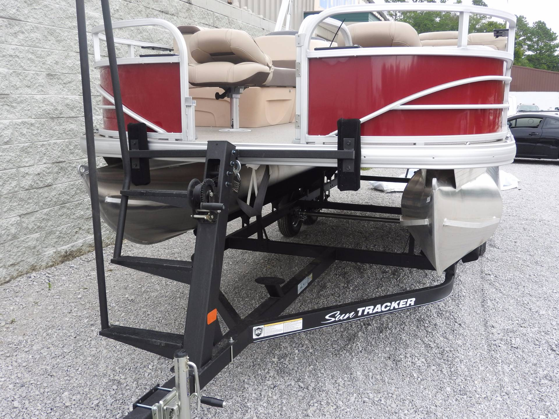 2018 Sun Tracker Fishin Barge 20DLX in Harriman, Tennessee