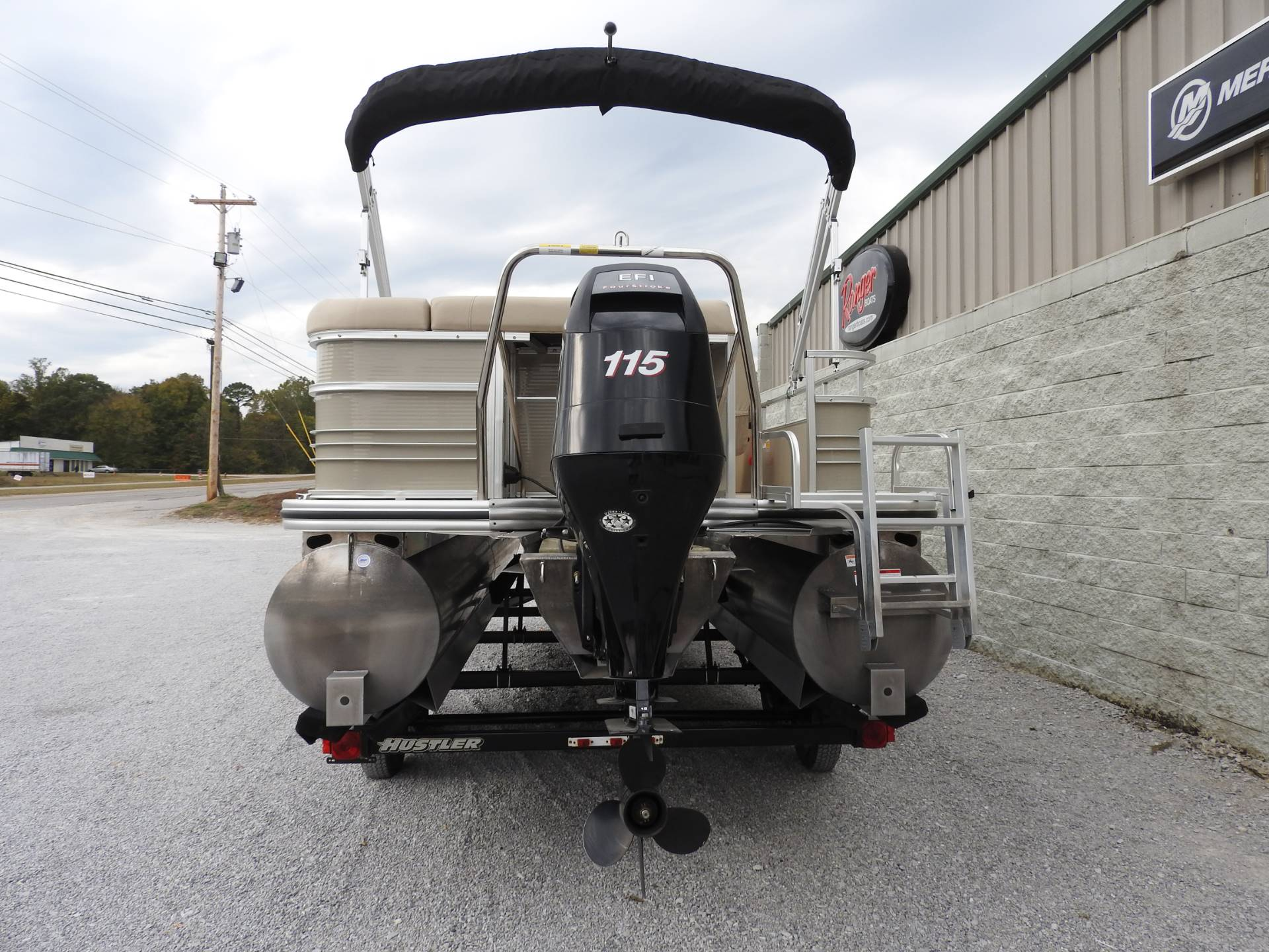 2015 Lowe SS230 in Harriman, Tennessee