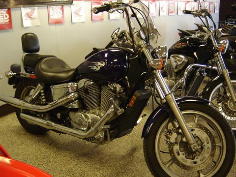 2002 Honda VT1100C in Elizabeth City, North Carolina
