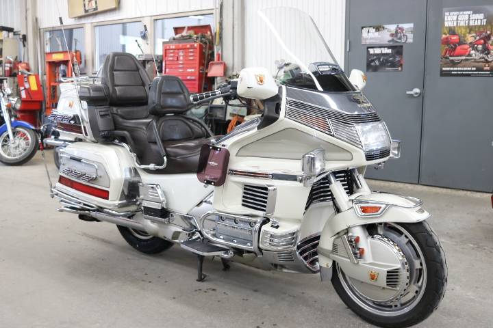 1990 Honda Goldwing SE in Pierre, South Dakota - Photo 1