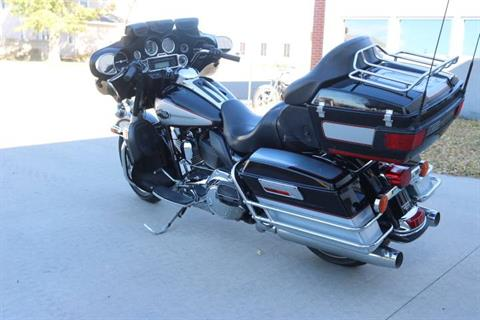 2011 Harley-Davidson Ultra Classic® Electra Glide® in Pierre, South Dakota - Photo 3