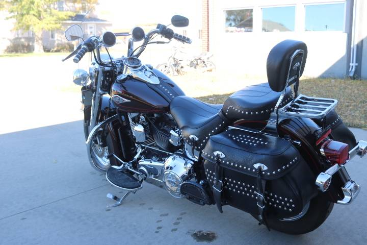 2011 Harley-Davidson Heritage Softail® Classic in Pierre, South Dakota - Photo 3