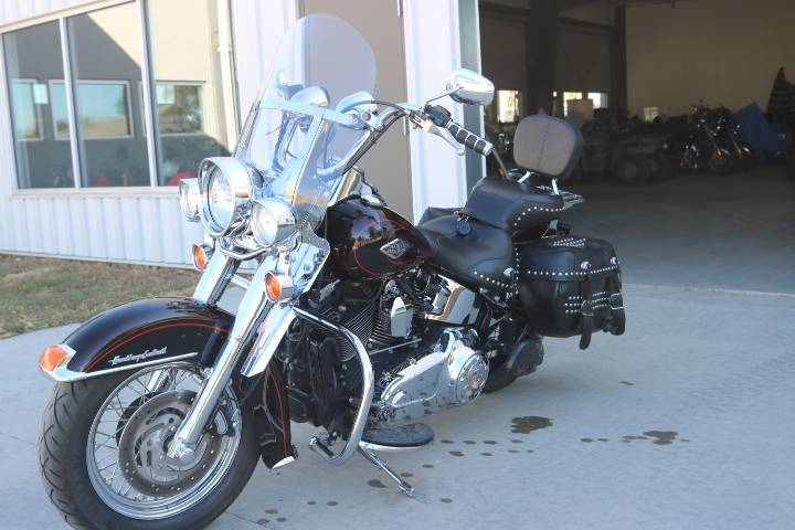 2011 Harley-Davidson Heritage Softail® Classic in Pierre, South Dakota - Photo 4
