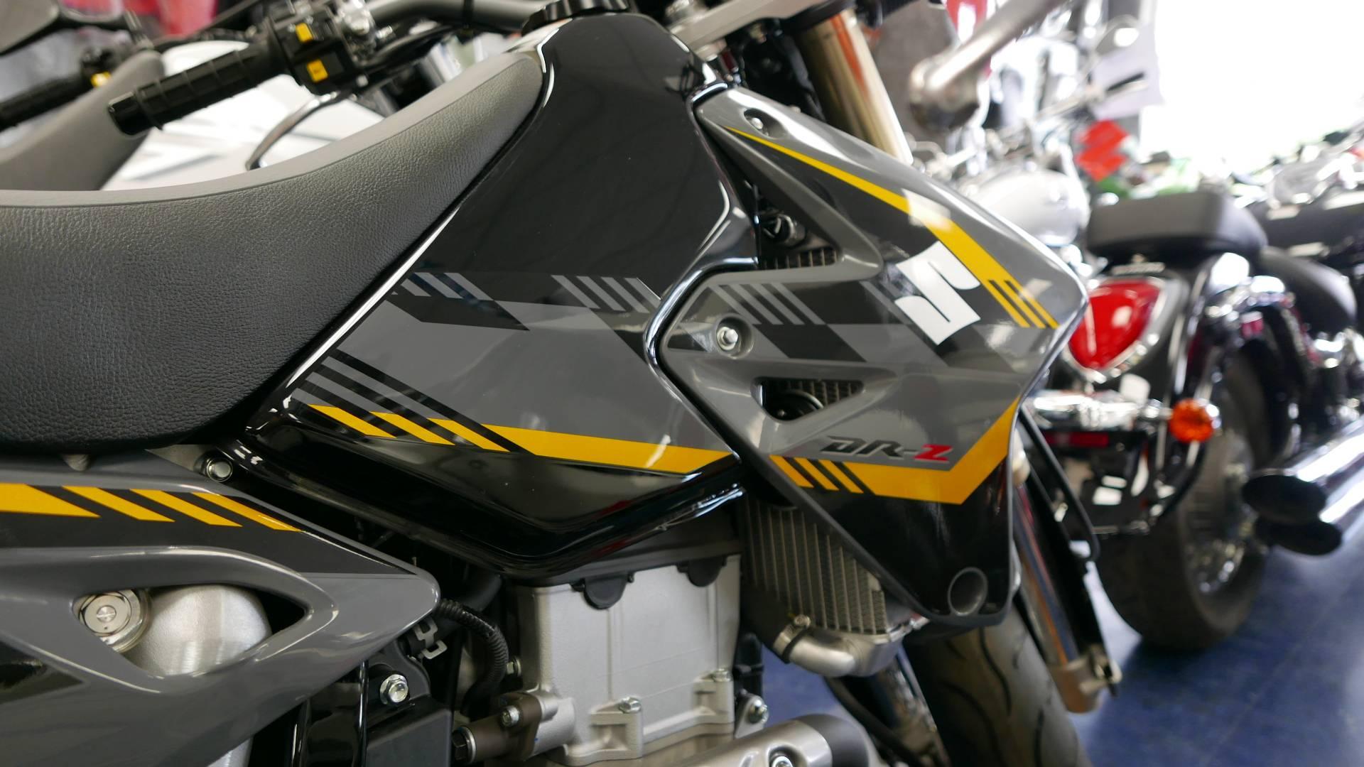 2016 Suzuki DR-Z400SM 3