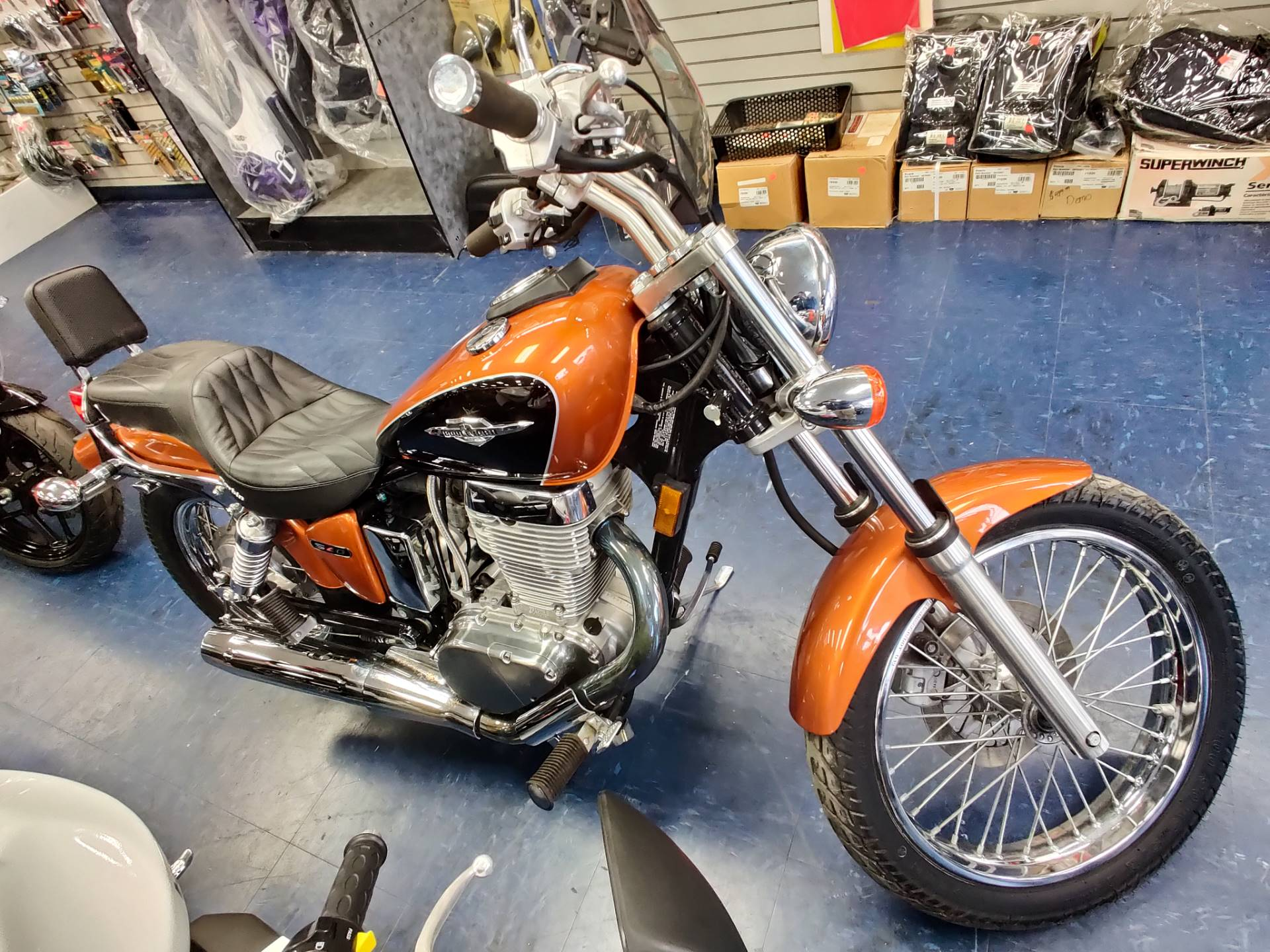 2014 Suzuki Boulevard S40 in Florence, South Carolina - Photo 3