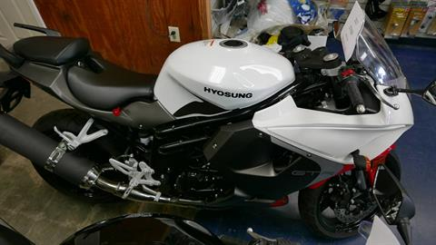 2017 Hyosung GT650R in Florence, South Carolina - Photo 1