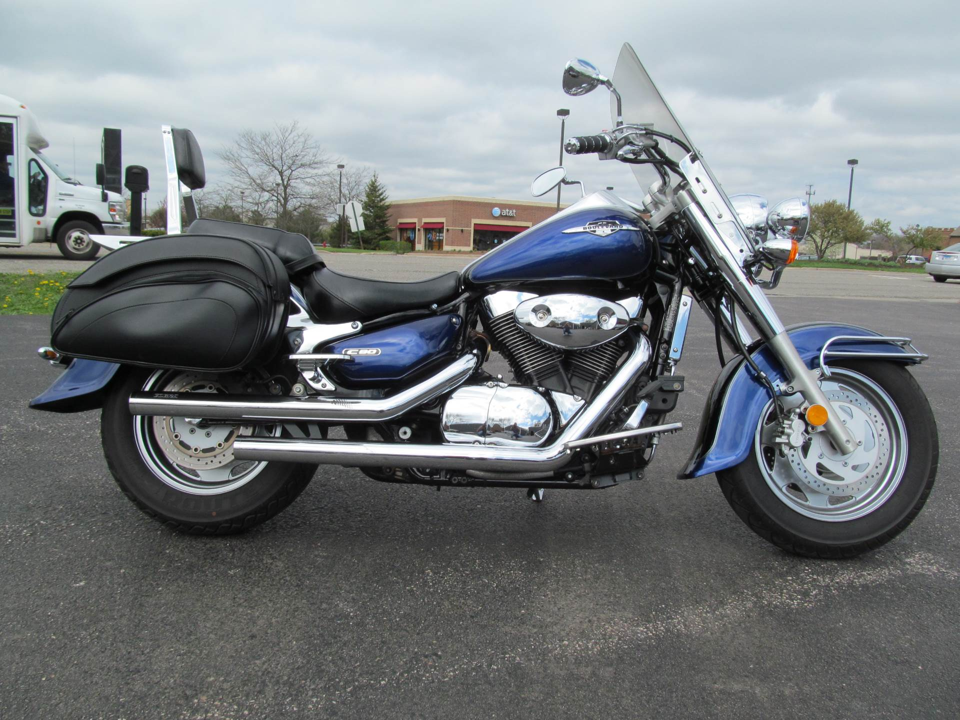 2005 suzuki boulevard c90 in crystal lake illinois