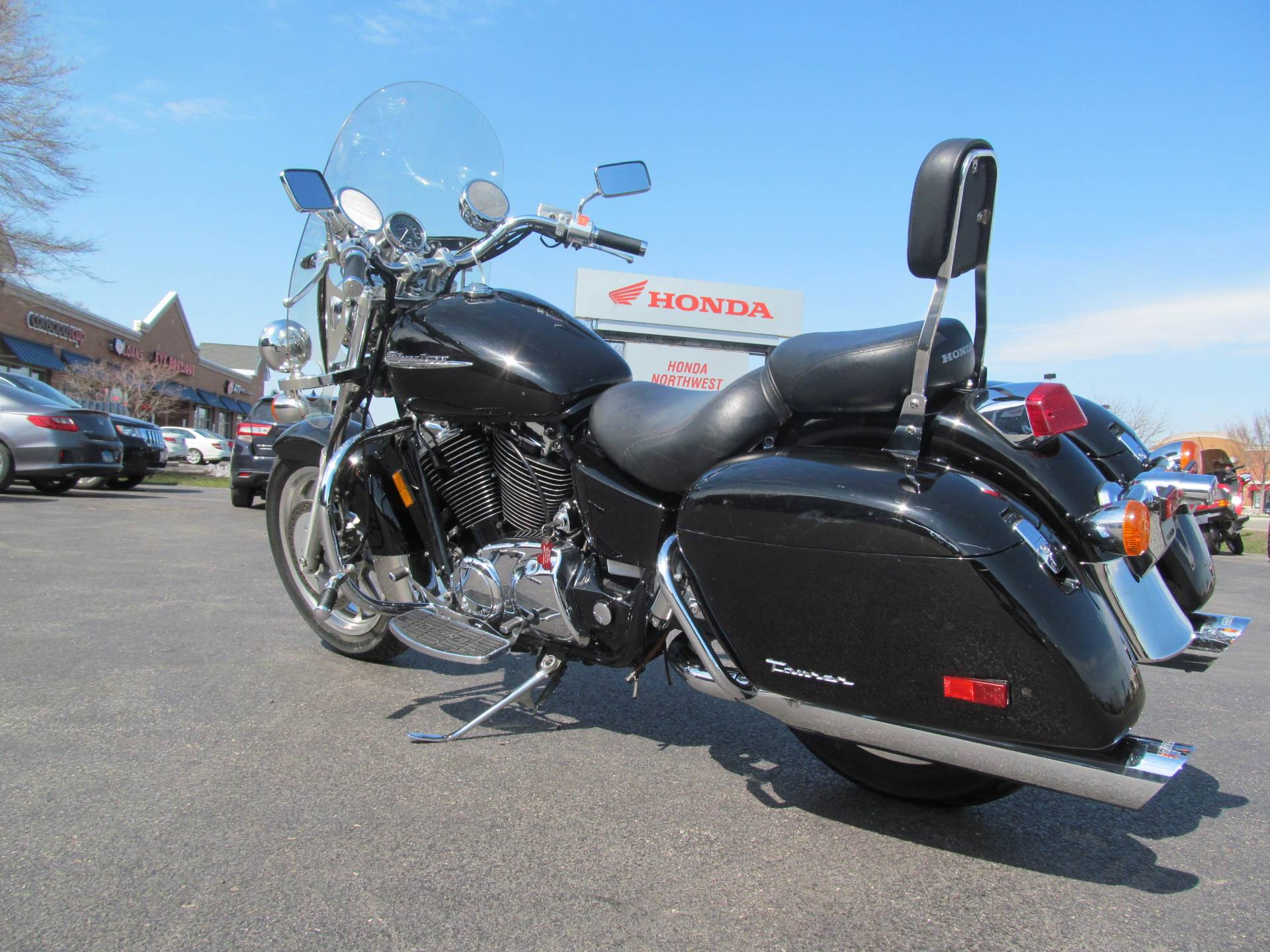 2001 Honda Shadow Ace Tourer in Crystal Lake, Illinois - Photo 6