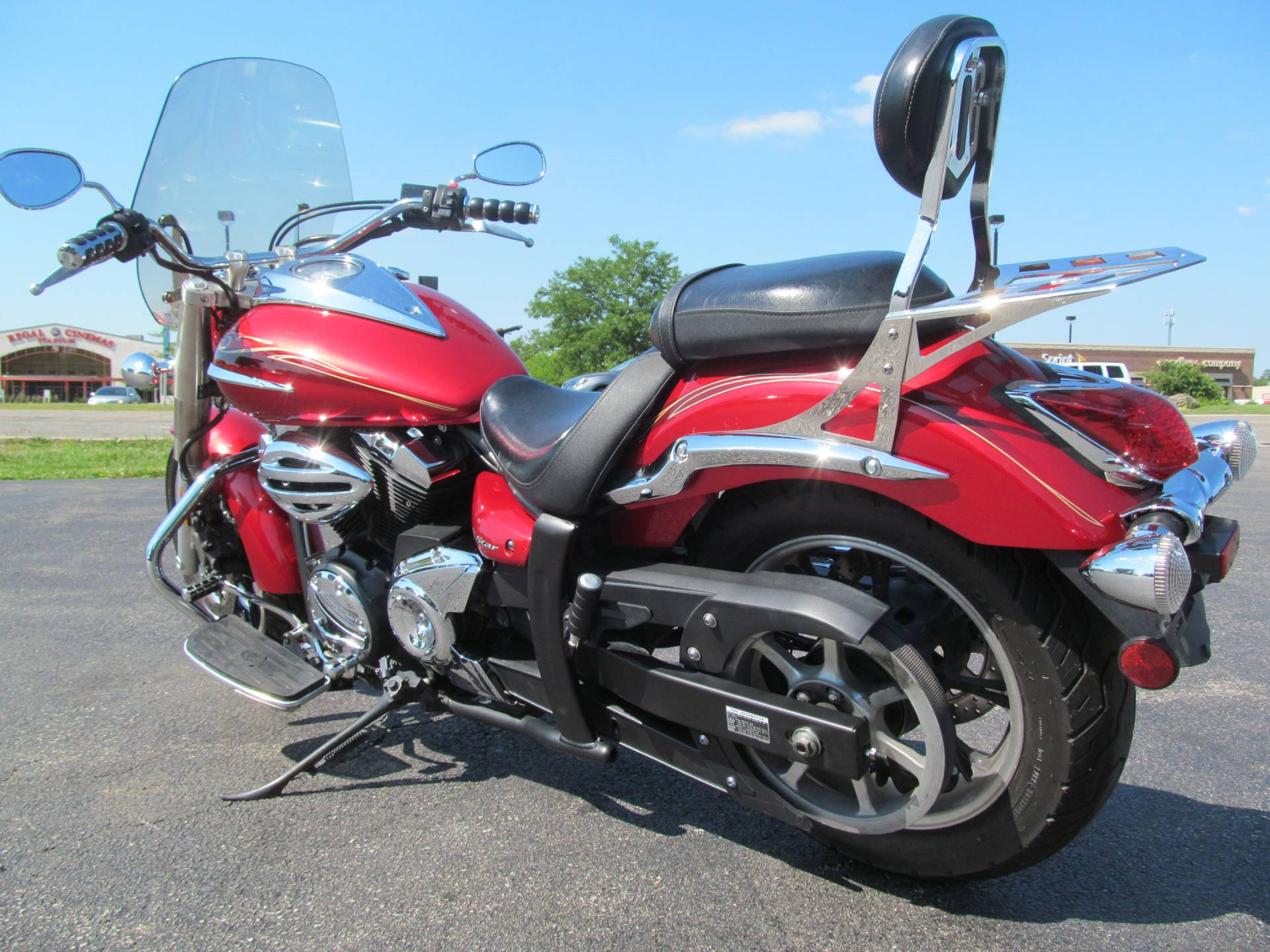 2009 Yamaha V Star 950 in Crystal Lake, Illinois - Photo 5