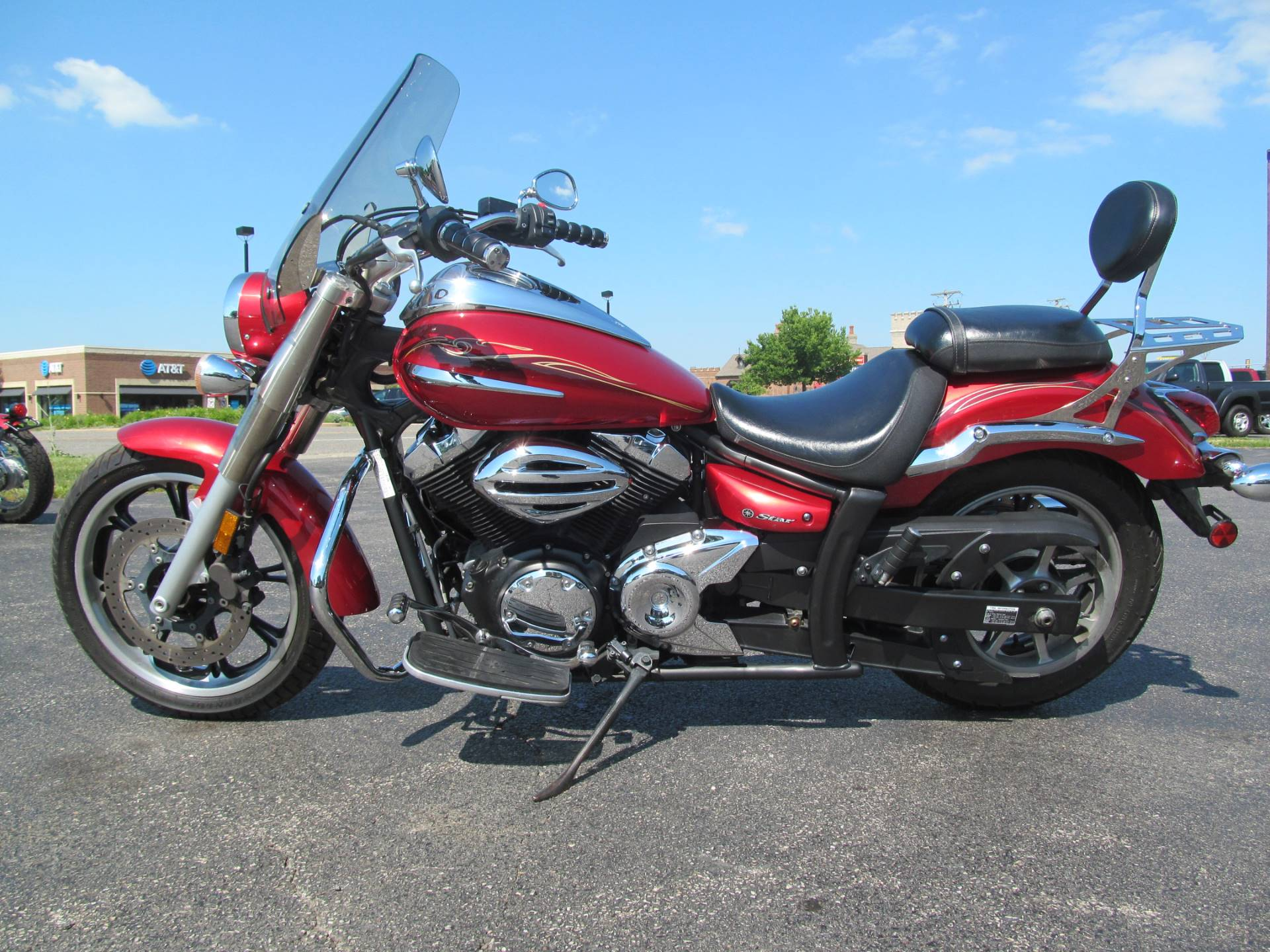 2009 Yamaha V Star 950 in Crystal Lake, Illinois - Photo 2
