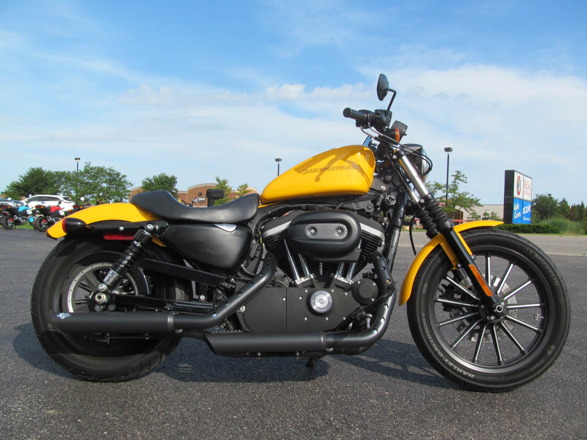 2011 Harley-Davidson Sportster® Iron 883™ in Crystal Lake, Illinois - Photo 1