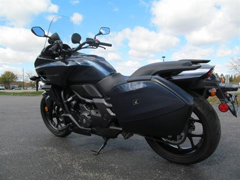 2015 Honda CTX®700 DCT ABS in Crystal Lake, Illinois - Photo 6