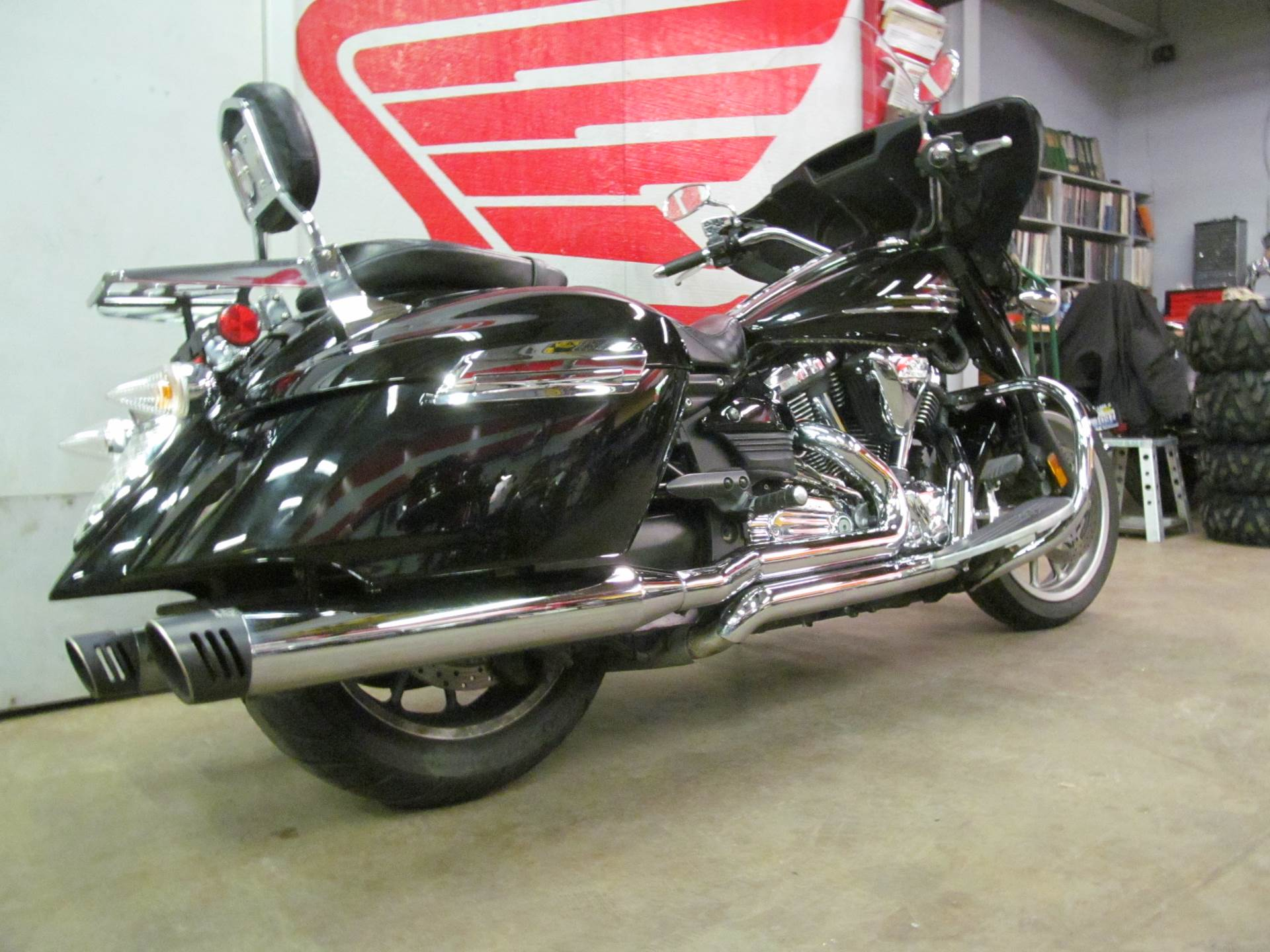 2010 Yamaha Stratoliner Deluxe in Crystal Lake, Illinois