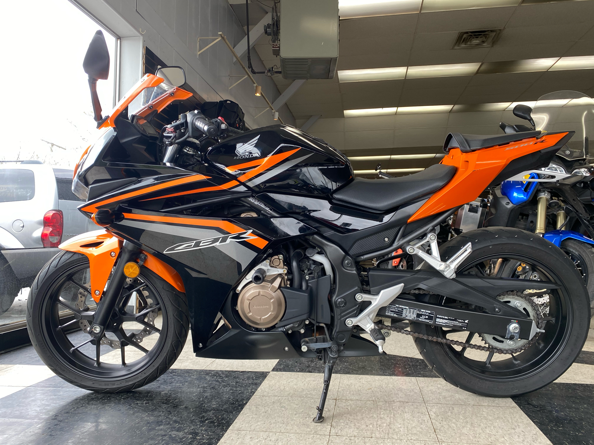 2017 Honda CBR500R in Crystal Lake, Illinois - Photo 2